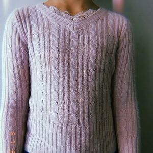 Super cute pink knitted sweater🌸